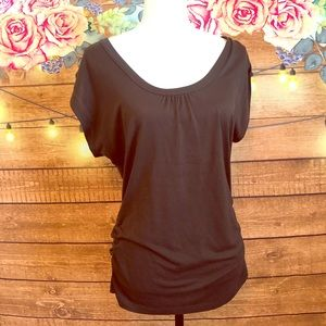 Brown rouched sided top